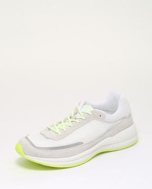 イエロー 靴を見る