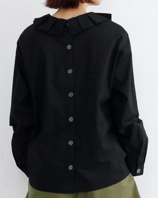 ブラック ピエロ襟背中ボタン長袖ブラウス1040-0731を見る