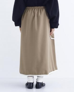 ベージュ バイカラーパイピング巻きスカート2049-0829を見る