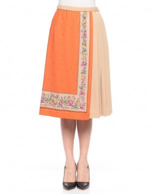 オレンジ スカーフプリントスカートを見る