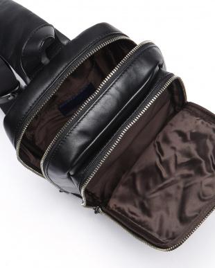 BLK Sling Bagを見る