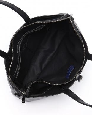 BLK Tote Bagを見る