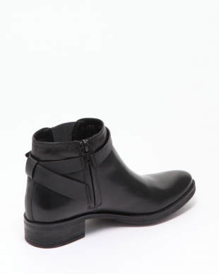BLACK  ANKLE BOOTSを見る