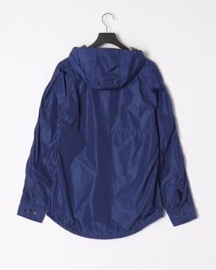 BLUE バックメッシュフードシャツを見る