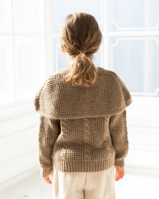 BROWN ケープ付ニットセーターを見る