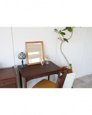 ブラウン Simple Desk 700を見る