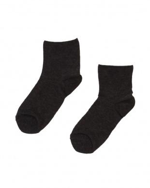 ブラック タイツの下に重ねて履いて!薄いのに発熱するからあたたかい超消臭ソックス3足セットを見る