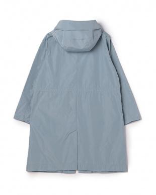 ブルーグレー 撥水メモリータフタステンカラーコートを見る