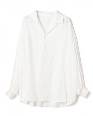 ホワイト 開襟ボリュームシャツを見る