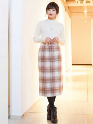ベージュ シャギーチェックナロースカート[WEB限定サイズ] a.v.vを見る