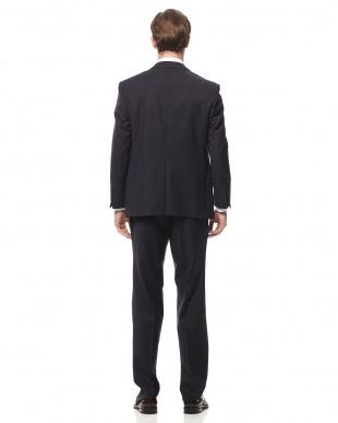 ネイビー スーツを見る