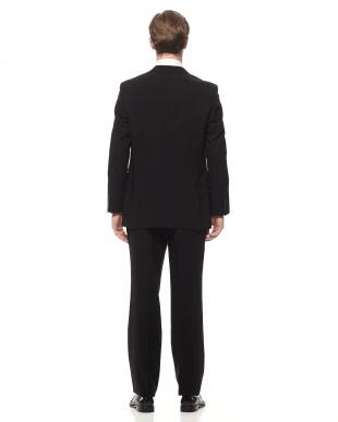 ブラック スーツを見る