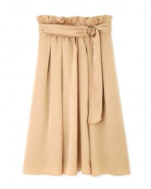 BLUSH |美人百花9月号掲載|サリーサテンギャザースカート ジルスチュアートライセンスを見る
