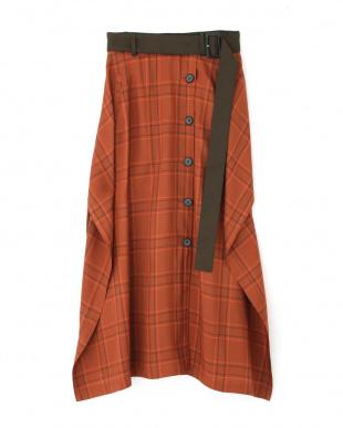 オレンジ ヴィスコースチェックベルト付きスカート アドーアを見る
