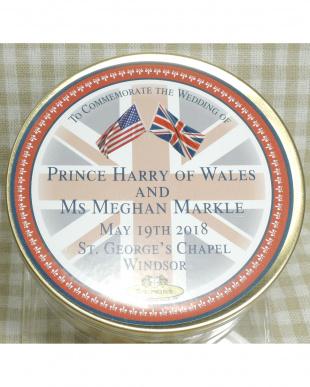 ヘンリー王子メーガン妃ロイヤル缶+アーチー王子ご生誕缶 各2個計4個セットを見る