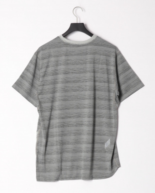 MEDIUM GRAY HEATHER-LIGHT GR PUMA PACE SS Tシャツを見る