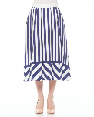 ホワイトXブルー イタリア素材ストライププリントスカートを見る
