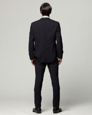 ネイビー 紳士スーツ ナロースタイルを見る