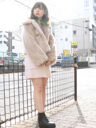 ピンク ビックポケットシャギーミニスカート dazzlinを見る