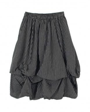ブラック 変形バルーンストライプスカートを見る