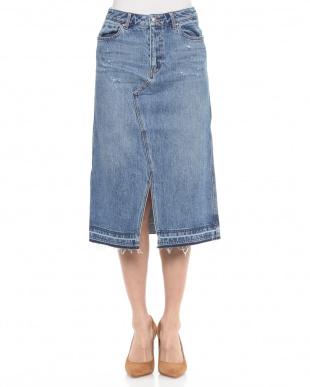 ブルー デニムタイトスカートを見る