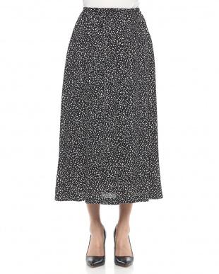 ブラック アニマルドットプリントAラインスカートを見る