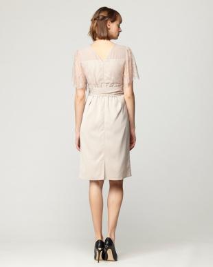 BEIGE レース切替トップタイトワンピースドレスを見る