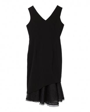 ブラック Vネックレースヘムドレスを見る