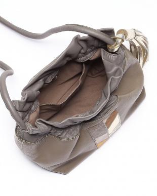 ベージュ [トプカピ トレジャー] TOPKAPI TREASURE パッチワークレザー巾着ショルダーバッグを見る