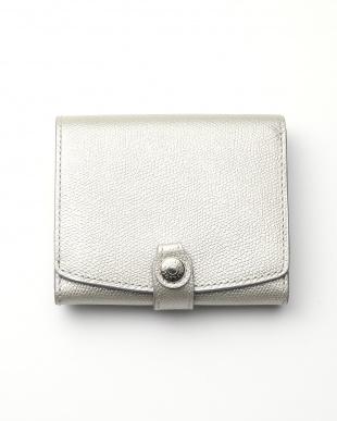 シルバー 角シボ型押し・メタリックレザー・二つ折りミニ財布を見る