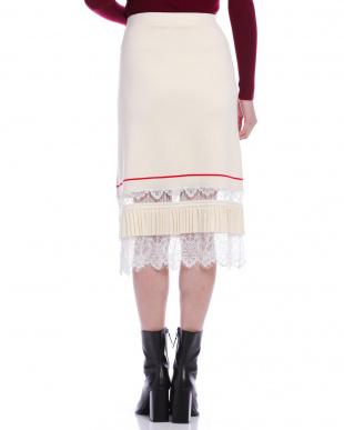 オフホワイト レース×ニット スカートを見る