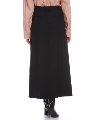 ブラック フロントスリット ロングスカートを見る