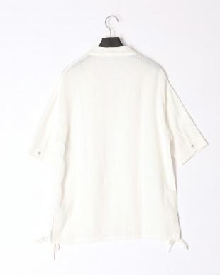 ホワイト ケイト シャツを見る