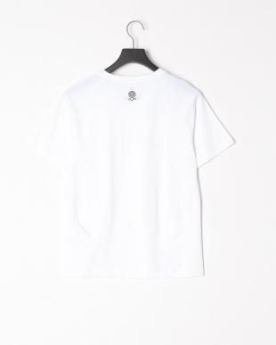 WHITE Dangrek Tシャツを見る