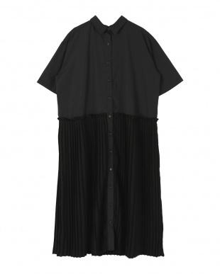 ブラック プリーツドッキングシャツワンピースを見る