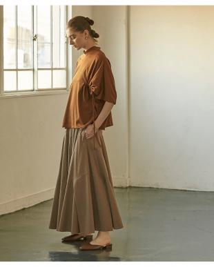 ブラウン ボリュームタックフレアスカートを見る