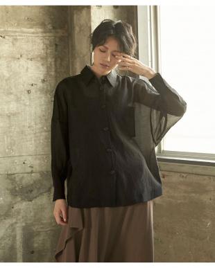 ブラック オーバーサイズ台襟付きシアーシャツを見る