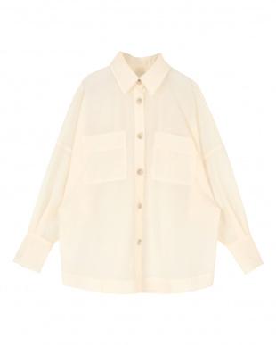 アイボリー オーバーサイズ台襟付きシアーシャツを見る
