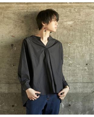 ブラック バックドロストスキッパーワイドシャツを見る