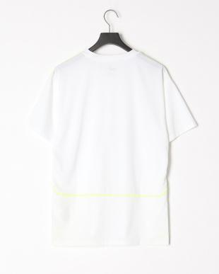 PUMA WHITE CP リフレクティブSS Tシャツを見る