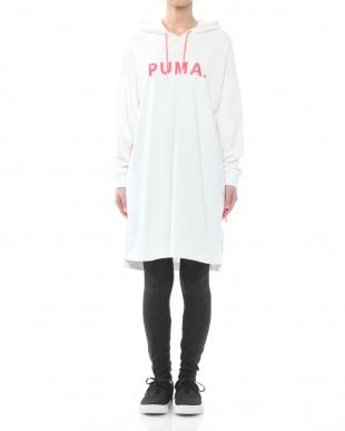 PUMA WHITE CHASE フーデッドドレスを見る