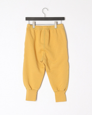 yellow pantsを見る