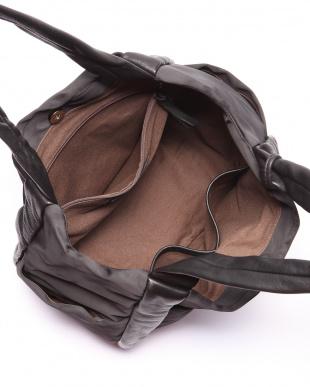 BK/BK 手提げバッグを見る