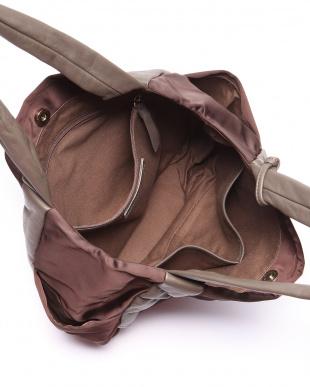 KH/CH 手提げバッグを見る