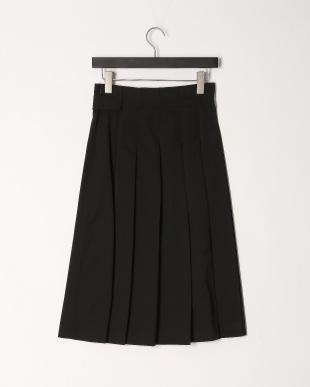 ブラック ベルトデザインタック使いスカートを見る