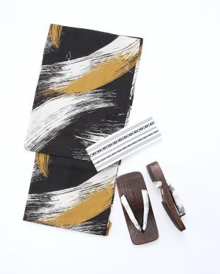 浴衣:黒系 帯:白 下駄:茶系 浴衣帯下駄3点セットを見る