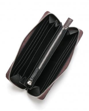 ブラウン シャーク革 ラウンドジップ 長財布を見る