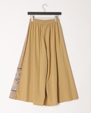 ベージュ 蝶切替スカートを見る