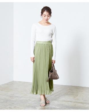 ライトグリーン ミモレ丈プリーツスカートを見る
