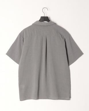 グレー リネンタッチ両ポケオープンシャツを見る
